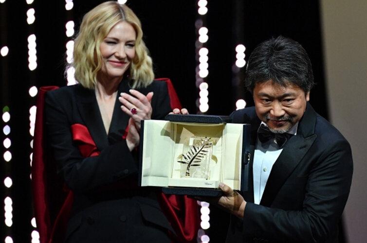 日本导演是枝裕和获金棕榈奖